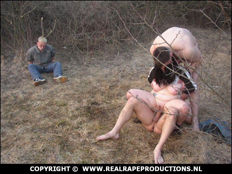 Een super geil stel doet een vrouw overmeesteren en doet haar verkrachten