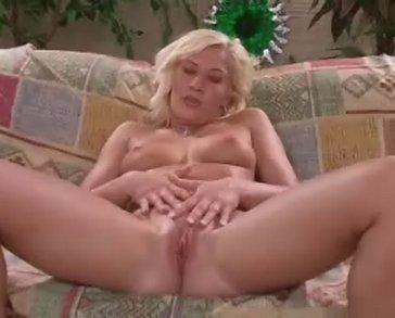 Een verrukkelijk kaal kutje hebt blondje